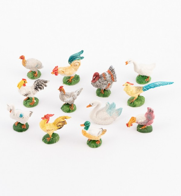 Court yard animals for creche traditional colours 10 cm.