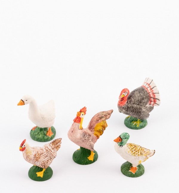 Court yard animals for creche traditional colours 19 cm.